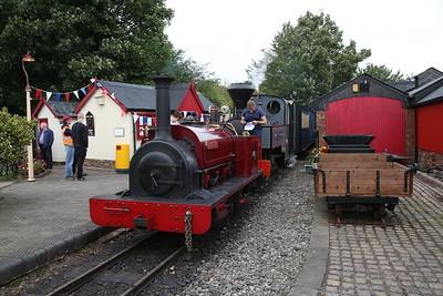 HE 542/1891 'Cloister & KS 2405/1915 'Joffre', Becconsall, 11.34 ex Delph - 24/09/17