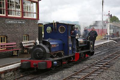 HE 779/1902 'Holy War' & HE 316/1883 'Gwynedd', Llanuwchllyn, backing onto the 13.30 to Bala - 16/06/18