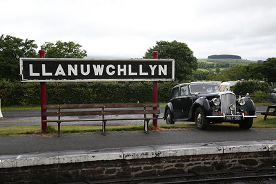 Ivo Peters' Bentley, NHY 581, on display at Llanuwchllyn - 16/06/18