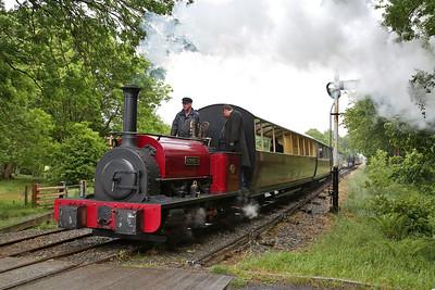 HE 680/1898 'George B' arr Llangower, 13.20 Bala-Llanuwchllyn - 16/06/18