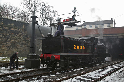 '2890' being watered, Bury Bolton Street - 04/03/18