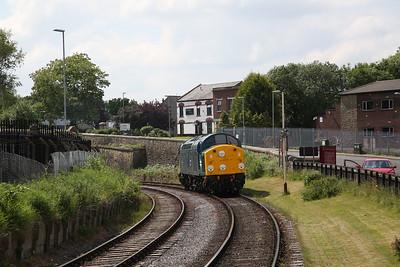 40012, Heywood, running round - 03/06/18