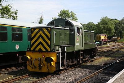 D9504, Tenterden, ready to work the 12.15 to Bodiam - 28/05/18