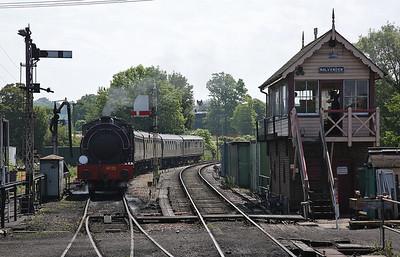 No.25 (HE 3797/1953) in the loop at Rolvenden, 11.48 Bodiam-Tenterden - 28/05/18