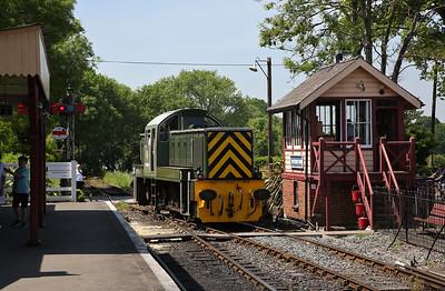 D9504, Tenterden, running round - 28/05/18