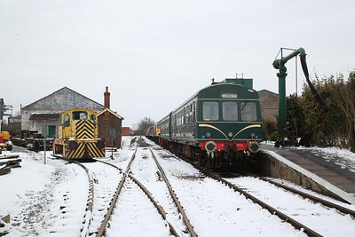 Class 101 DMU, Dereham, 2D11 13.05 shuttle from Hoe Crossing (hauled by D2334) .... EEV D1049/1965 'BSC 1' (ex-British Steel, Corby) can be seen on left - 18/03/18