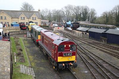 20007 + 20142 arr on Wansford yard - 08/04/18