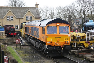 66781, Wansford Yard, awaiting its next turn - 08/04/18