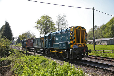 08850 / 08495 head back to Pickering from signal NB10 on a BV shuttle - 06/05/18