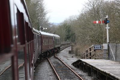 44008 passing Matlock riverside, 16.28 Matlock-Rowsley South - 08/04/18