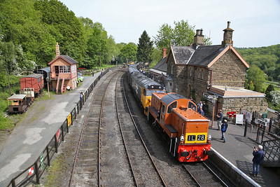 D9551 & 50049 arr Highley, 10.30 Bridgnorth-Kidderminster - 18/05/18
