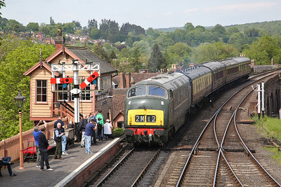 D832 shunts stock at Bewdley to form 11.53 to Kidderminster - 18/05/18