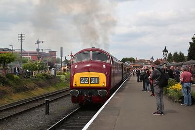 D821 dep Kidderminster, 14.13 to Bewdley - 18/05/18