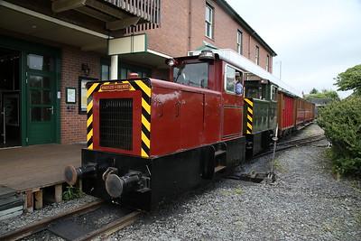 TR No.12 & TR No.11, Tywyn Wharf, 11.05 ex Nant Gwernol - 16/06/18