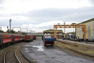 The tour in Wolverhampton Steel Terminal as a Pendo goes past - 29/10/11.