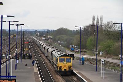 66518 passes Barnetby on 4R35 xx.xx Hunslet-Immingham Empty Coal - 02/04/11
