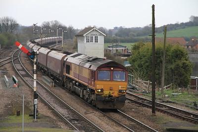 66083 appr Barnetby on 6F11 10.49 Immingham-Cottam Coal - 02/04/11