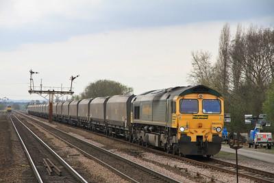 66555 appr Barnetby on 4R15 08.45 Drax-Immingham Empty Coal - 02/04/11