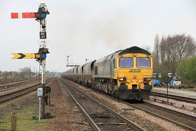 66524 appr Barnetby on 4R14 08.50 Ferrybridge-Immingham Empty coal - 02/04/11