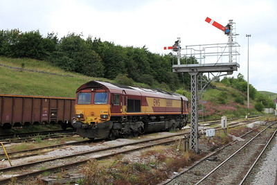 66168 at Peak Forest in between stone train workings - 20/08/11