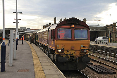 66095 pauses at Sheffield on 1Z57 - 20/10/12.