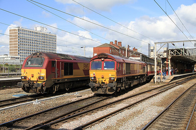 66138 brings up the rear on 1Z44 at Crewe - 14/04/12.