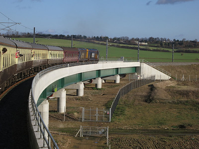 20302+20305 crossing the new Hitchin flyover, 1Z20 - 11/01/14.