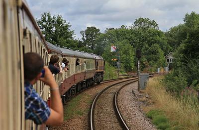 66091 passes some nice semaphores a near Gilberdyke on 1Z32 - 13/07/14.