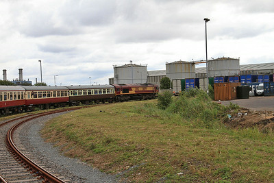 66091 heads deeper into the docks, 1Z32 - 13/07/14.
