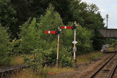 a couple of semaphores still in use at Gilberdyke - 13/07/14.