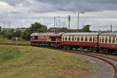 66132 brings up the rear of 1Z32 in Hull docks - 13/07/14.