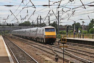 91103 passes Doncaster on the Down Fast with 1S13 11.00 Kings Cross-Edinburgh - 13/07/14.