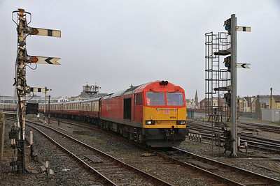60054, Blackpool North, reversing the ECS for 1Z15 into the station  - 17/04/14.