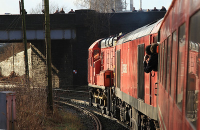 09106 dragging 60092 and 1Z74, Arpley Junction - 03/01/15.