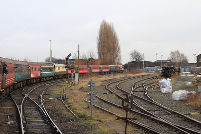 67016 heads into Latchford Sidings, 1Z73 - 03/01/15.