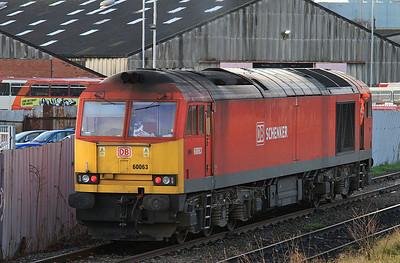 60063 running round its coal train in Latchford Sidings - 03/01/15.
