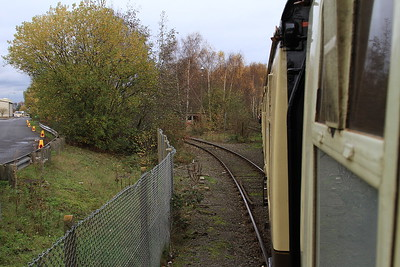 1Z25 heading out of Glews Hollow and towards West Dock - 14/11/15.
