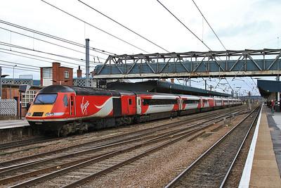 43295 (43319 front) dep Doncaster on rear of 1S08 08.30 Kings X-Edinburgh - 14/11/15.