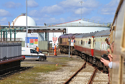 1Z45 heading down the Immingham Transit Quay line - 11/04/15.