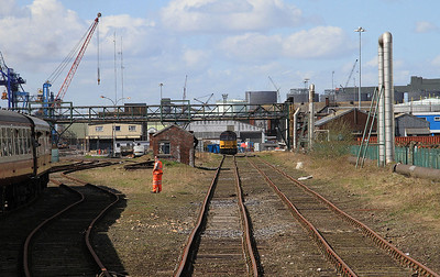 1Z45 heading down the Immingham Transit Quay line .... Colas 60002 can be seen in the background - 11/04/15.
