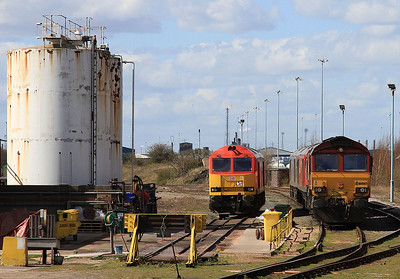 66067 and 3 60's stabled adjacent to Immingham depot - 11/04/15.
