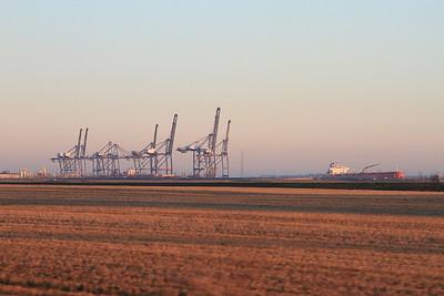 Arriving at Grain, 1Z60 - 29/12/16.