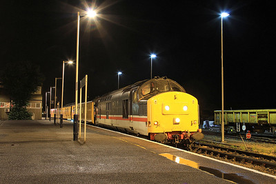 37254 pauses at Eastleigh, NR test train - 20/08/16.