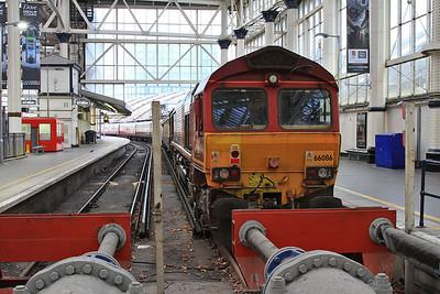 66086, London Waterloo, on rear of 1Z91 - 05/11/16.
