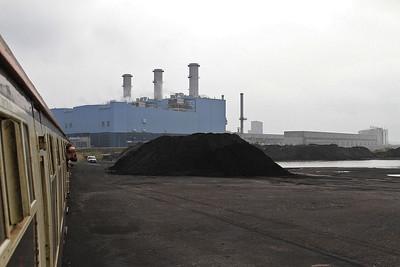 1Z25 arriving at Kingston Coal Terminal, Hull Docks - 29/10/16.