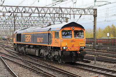 66747, Manchester Piccadilly, backing onto 1O95 - 30/04/16.