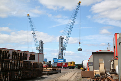 08600 (08598 rear) heads the 14:00 round trip down the North Sea Supply Base Wharf Line - 25/06/17.