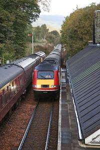 66764 / 73970, Dunkeld & Birnam, 1Z48 ........ 43208/43238 pass with 'The Highland Chieftan' 1E13 07.55 Inverness-London Kings Cross - 24/09/17
