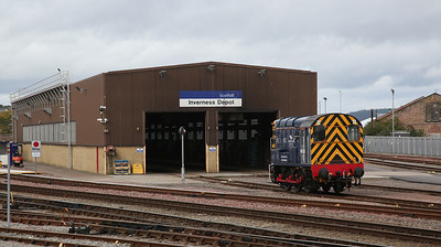 08523 awaits its moment outside Inverness depot - 24/09/17