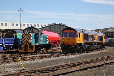 07007 & 66784, Eastleigh Works, in between shuttle duties - 02/06/18